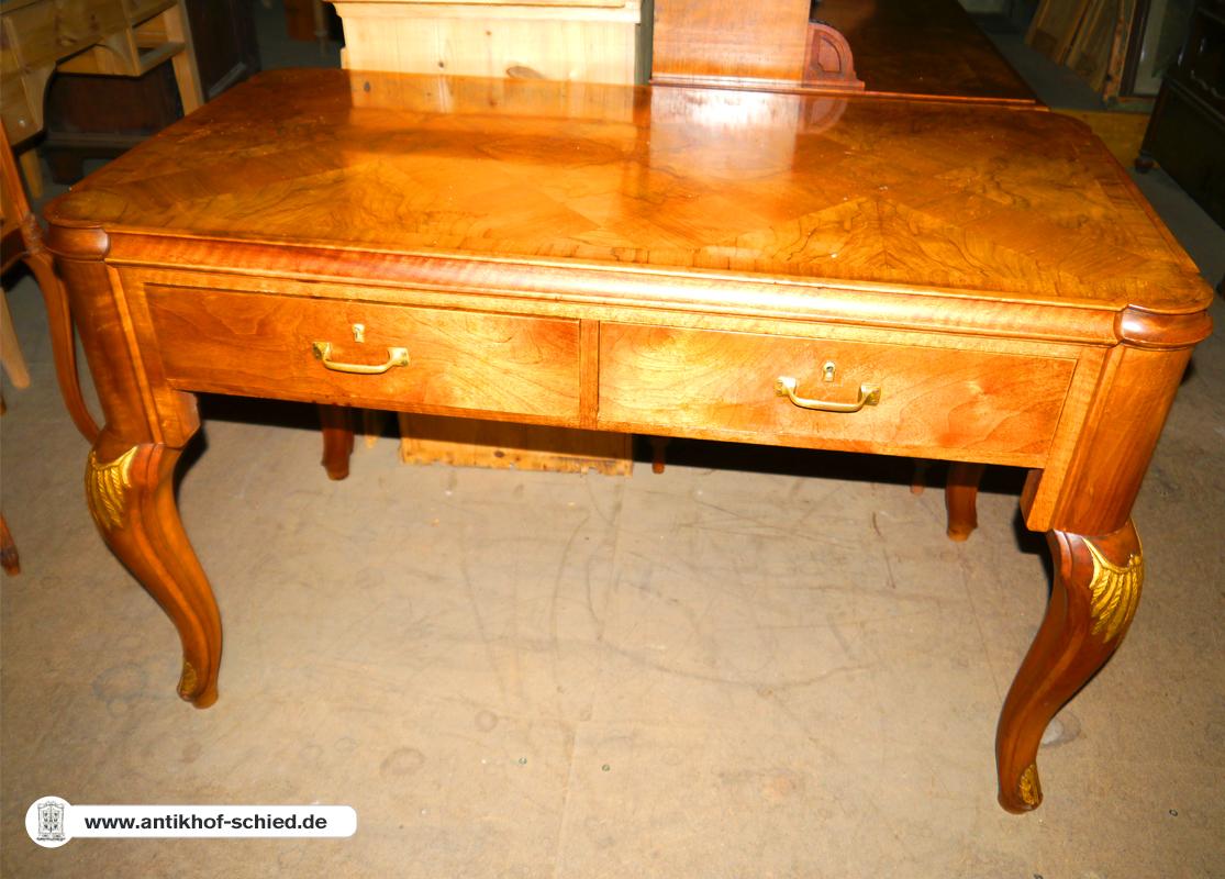 antiker schreibtisch bureau plat nussbaum um 1900 mit geschweiften beinen antik hof schied. Black Bedroom Furniture Sets. Home Design Ideas