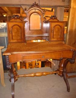 Antiker Schreibtisch / Damenschreibtisch, Nussbaum (Antiker Schminktisch)
