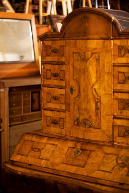 Antiquitäten und Antike Möbel als Wertanlage