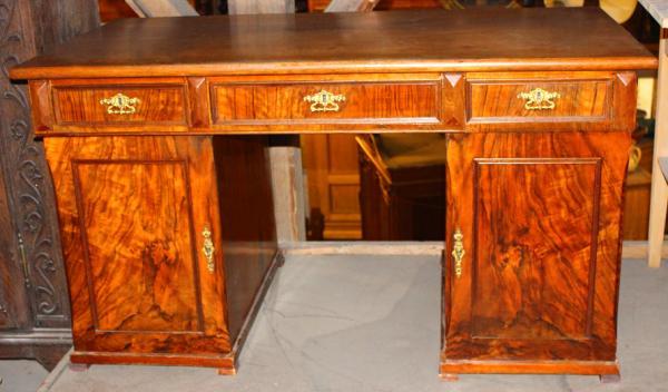 antiker schreibtisch kastenschreibtisch nussbaum antik. Black Bedroom Furniture Sets. Home Design Ideas